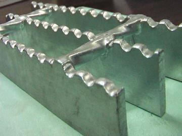 锯齿格栅板