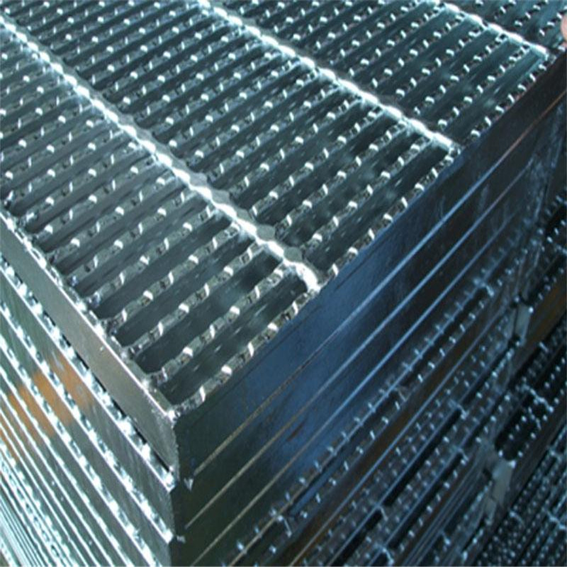 压锁钢格栅板不同于压焊钢格栅板