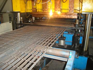 格栅板生产机器
